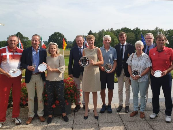 Sylvie Van Molle wint het Belgian International Senior Ch'ship
